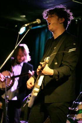 Ben Salter performing with The Gin Club